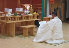 写真:県神社庁神宮大麻暦頒布始奉告祭
