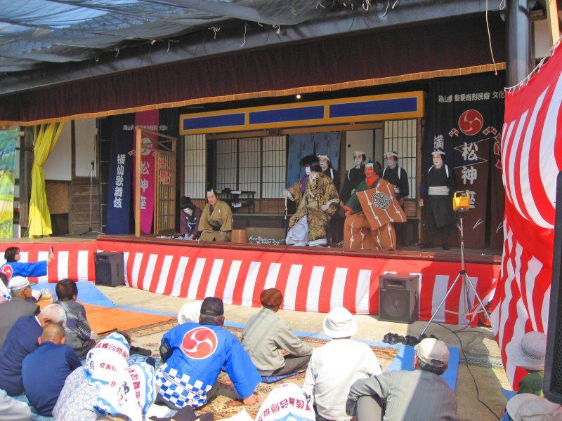 横仙歌舞伎と回り舞台