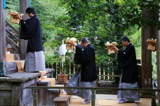 志呂神社御供5
