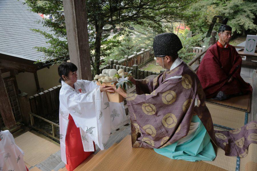 志呂神社御供2
